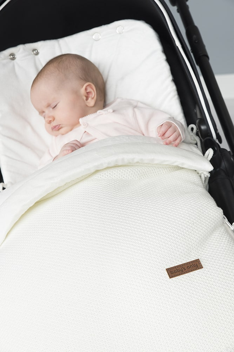 2033 babys only classic voetenzak autostoel 1